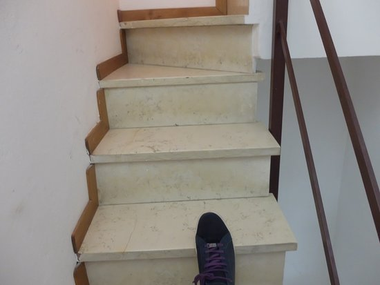 B&B Al Capitano: This is how narrow the staircase is, now you need to reach the 3rd floor with bags.