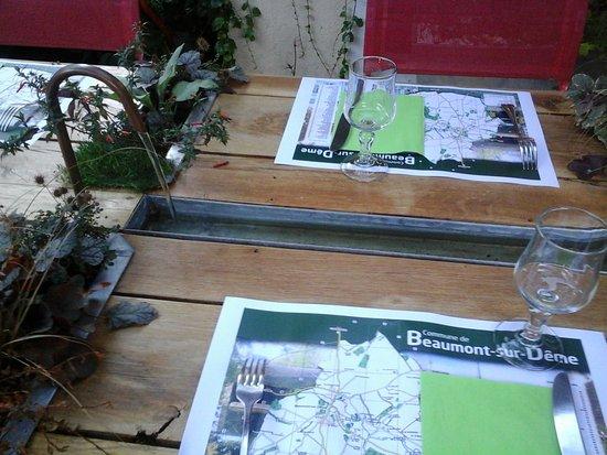 La Chartre-sur-le-Loir, فرنسا: la table végétale