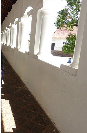 Dambulla, ศรีลังกา: Dambula - Cave Temple