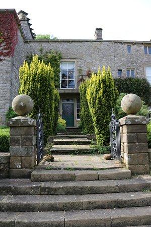 Austwick, UK: A spectacular entrance