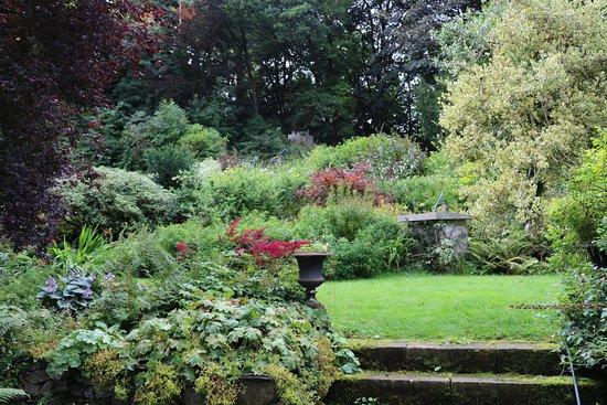 Austwick, UK: Hall grounds