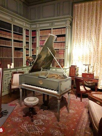 Cheverny, Francia: sala de música.