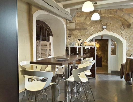 Salle Mange Debout En Face De La Cuisine Vue Vers Salle Privee