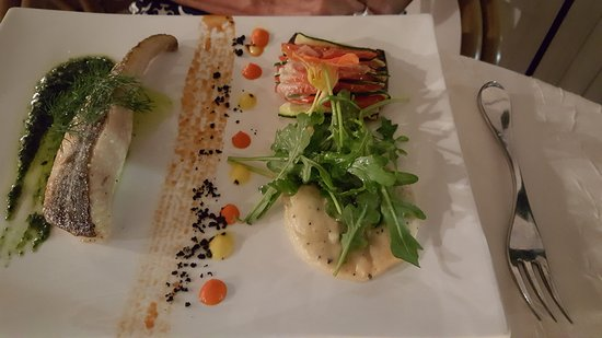 Le Relais de Farrou: filet de poisson juste roti