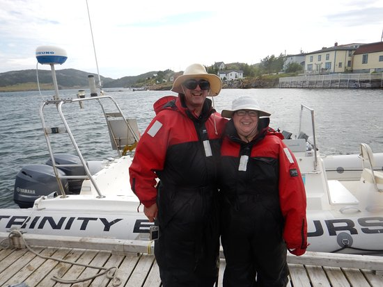 Trinity, Canadá: The two of us in our full immersion suits, wet and happy!