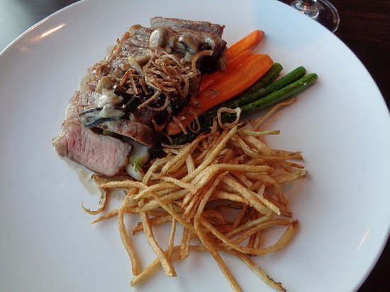 Lucy Maud Dining Room: island beef strip loin with vegetables