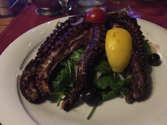 Skradin, Kroatien: Octopus - a typical recipe