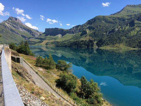 Areches, France: Lac et barrage de Roselend