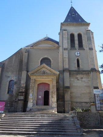 Église Saint-Germain de Pantin: Entrée principale de l'église