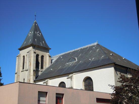 Église Saint-Germain de Pantin: Autre côté de l'église