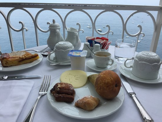 Hotel Marincanto: Breakfast with a view onthe main terrace