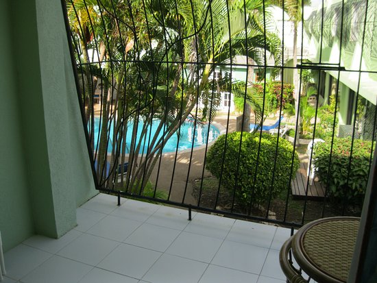 Pirate's Inn: Balcony outside the room - pool in view in the Courtyard