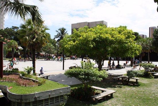 Praça Luíza Távora