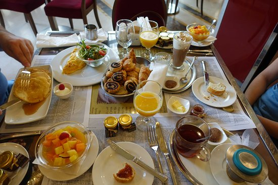 Cafe New York Budapest Breakfast