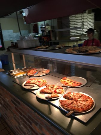 Hanover, IN: Pizza & Salad bar