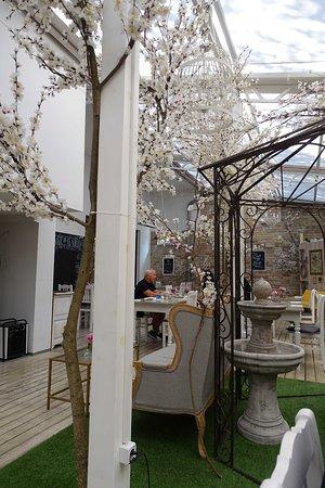 Terrasse Picture Of Vintage Garden Budapest Tripadvisor