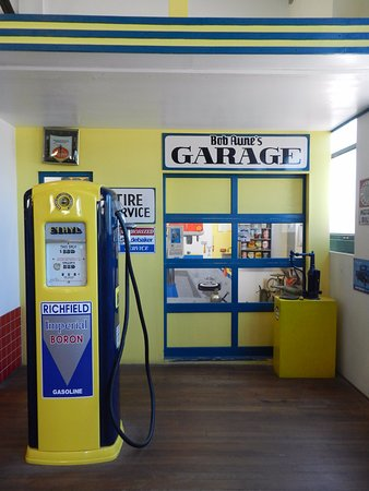 Kingman, AZ : 1950's Gas Station Exhibit
