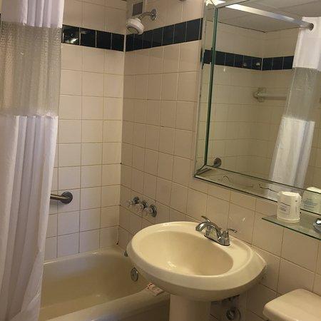Days Hotel - Thunderbird Beach Resort: photo3.jpg