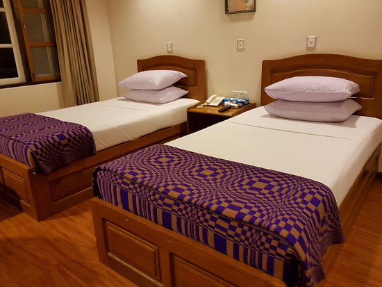 Kyaikto, Burma: το δωμάτιο στον νέο όροφο