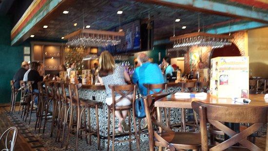 Northborough, MA: Bar area