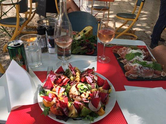 Le Jardin Des Pin Up, Saint-Remy-de-Provence - Restaurant ...