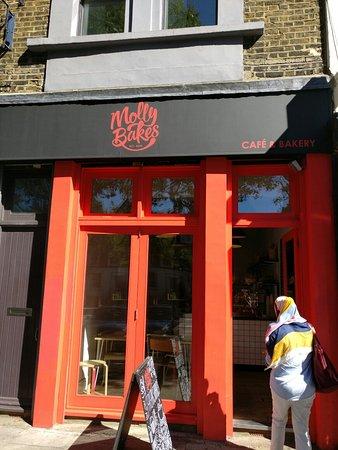 Greater London, UK: Molly Bakes
