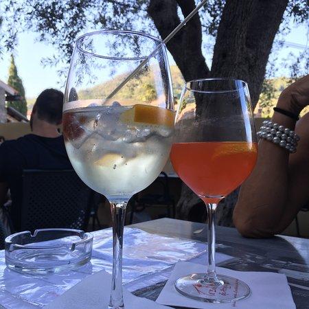 Arqua Petrarca, Włochy: Coppia di aperitivi, all'aria aperta