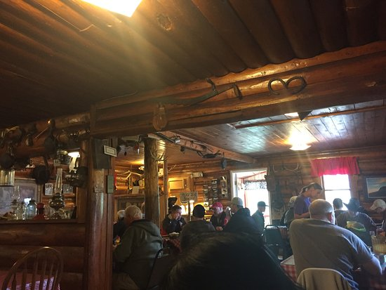 Saint Mary, MT: Pretty cafe, mostly locals.
