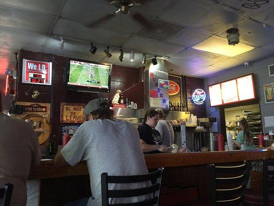 Murfreesboro, TN: Menu, Buster Dog and Bar area.