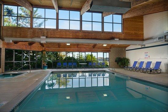 Best Western Agate Beach Inn: Indoor Pool
