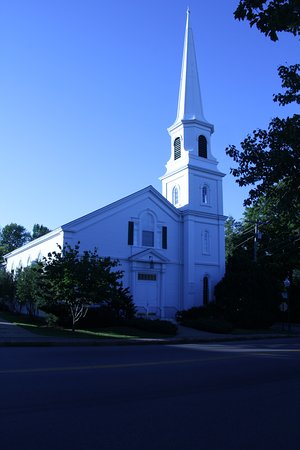 Camden, ME: Several picturesque churches in town