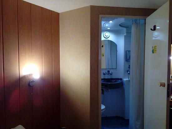Plaisir, Frankreich: douche et wc