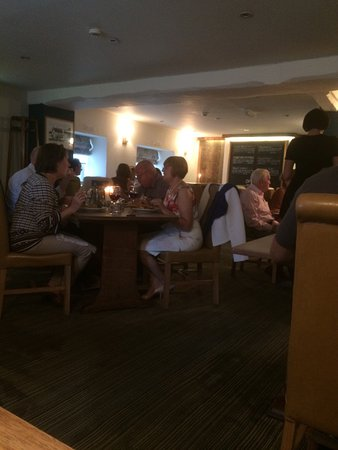 Nibley, UK: Comfi seats and delicious food!