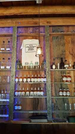 Winchester, NH: New England Sweetwater Farm & Distillery