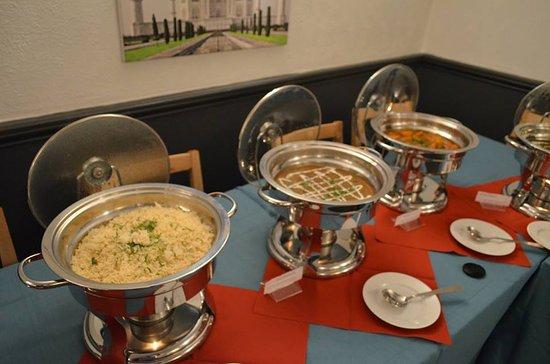 Bollywood Bytes Restaurant: Dining Area