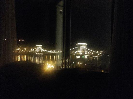 Sofitel Budapest Chain Bridge: Vista desde la habitación
