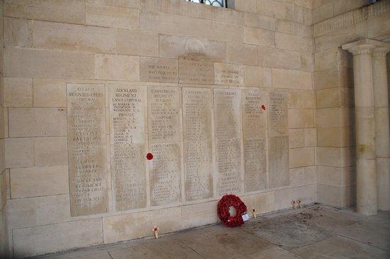 Zonnebeke, Belgia: Rememberance wall