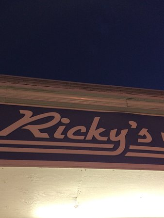 Hull, ماساتشوستس: Ricky's sign