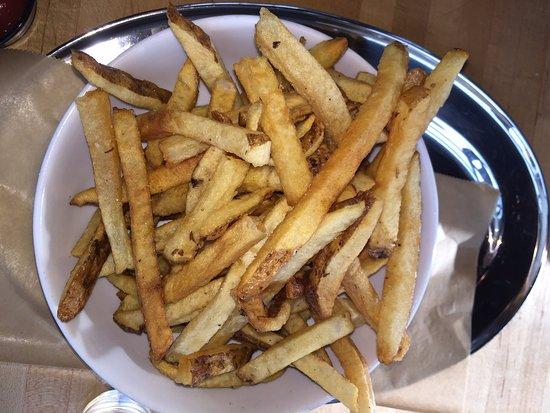 Alpharetta, GA: French Fries are Additional