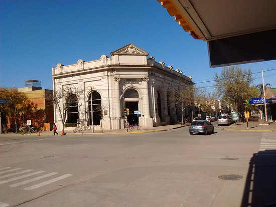 Lincoln, Argentina: banco nacion