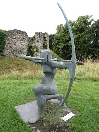 Archer sculpture at Helmsley