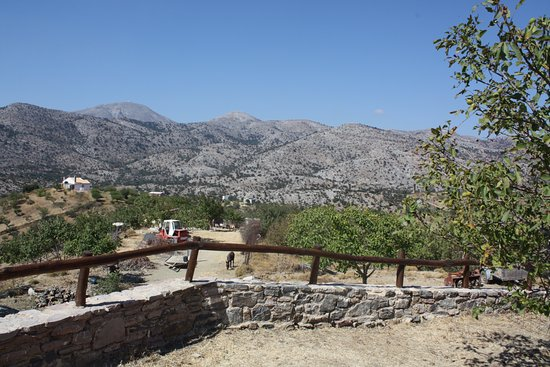 Krousonas, Yunani: View from the plaground