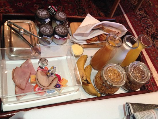 The Residence Boutique Hotel: The side tray to the full English breakfast.