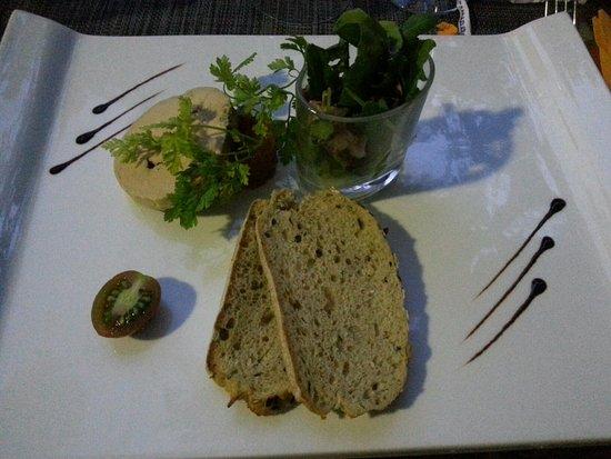 Cucuron, France : Restaurant de l'Etang