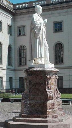 Denkmal Hermann von Heimholtz