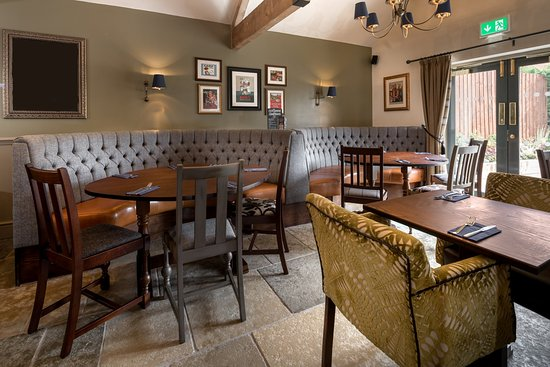 Uttoxeter, UK: Gorgeous booth seating in our restaurant!