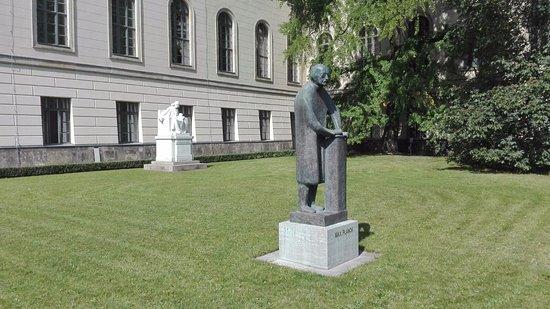 Denkmal Max Planck