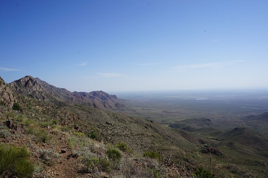Franklin Mountains State Park: The view from one of the peaks in the Franklin mountains