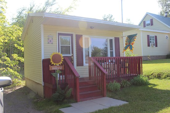 Pleasant Bay, Canadá: The little cottage at Poplar B&B