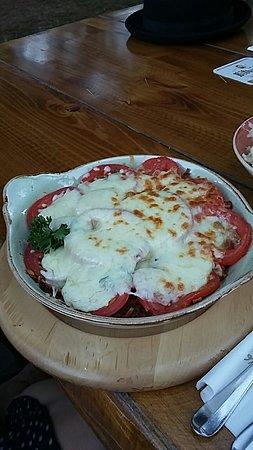 Emmendingen, Germania: Vegetarisches Rösti mit Tomaten und Basilikum
